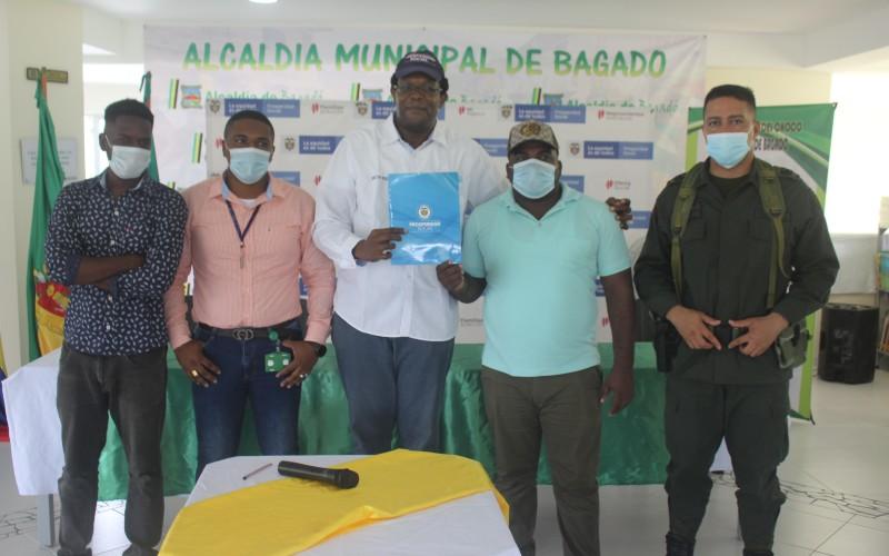Alcalde de Bagadó firma convenio interinstitucional con el DPS para pavimento 630 metros lineales de vía urbana de la cabecera municipal. | Noticias de Buenaventura, Colombia y el Mundo