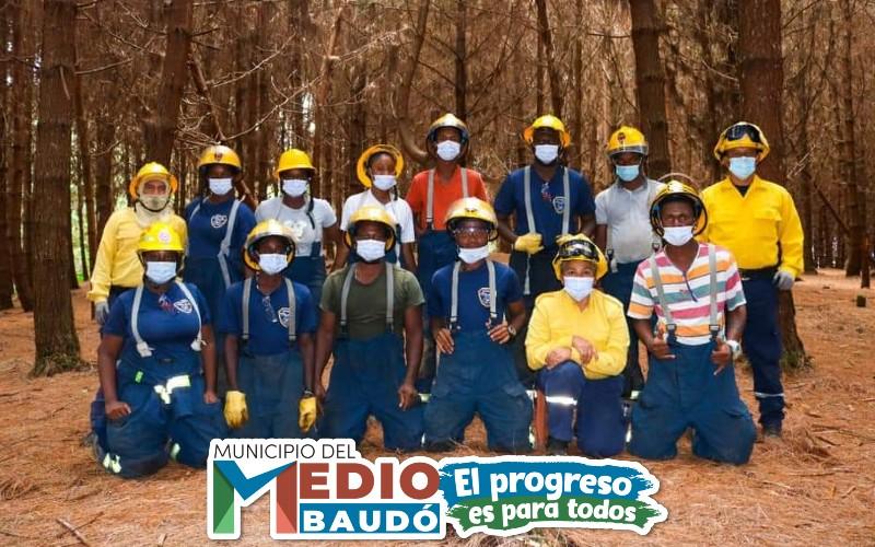 La Alcaldía del Medio Baudó en articulación con la Gobernación del Chocó, adelantan proceso de formalizar el cuerpo de Bomberos del Municipio. - Noticias de Colombia